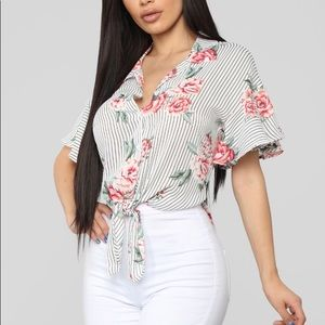 Floral 💐 🌺 blouse from fashion nova
